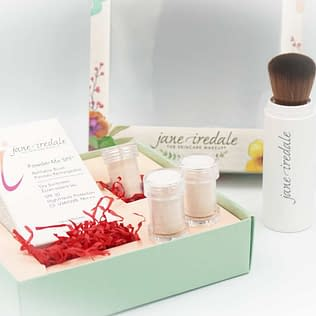 Jane Iredale Powder Me SPF30 Refillable Brush Promo Set